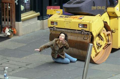Scarlett Johansson Falling Down Meme - scarlett johansson falling down 90 scarlett johansson