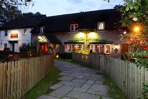 golden retriever pub bracknell the golden retriever bracknell berkshire bookatable