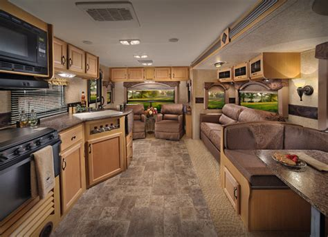 Rv Trailer Interior by Evergreen Rv Expands Slide Travel Trailer Line With