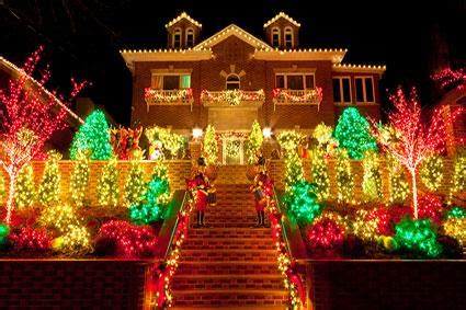 outdoor lighted displays lighted outdoor decorations lovetoknow