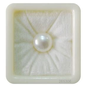 the health benefits of wearing a pearl gemstone