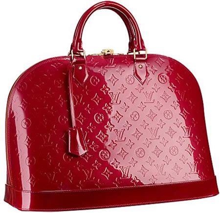 Mantera Black Shoulder Bag To Bag Marka Tas Keren Pria Wanita louis vuitton monogram vernis alma gm makes an impression