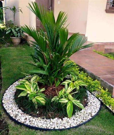 jardines peque 241 os con estanque jardin era pinterest jardines flores de jardn decoracin de jardines decoracion