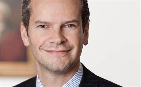 berenberg bank bielefeld abgang oliver holtz co leiter wealth management