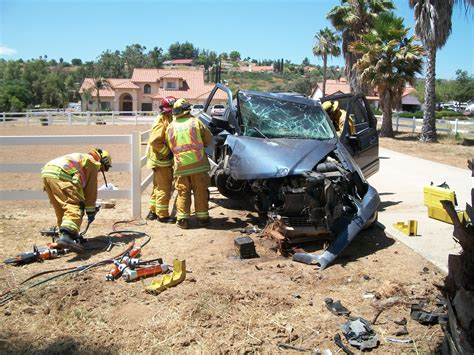 gory car accident victims gruesome car crash victims pictures to pin on pinterest