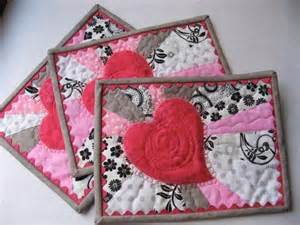 Free Quilted Christmas Tree Skirt Pattern - free quilt block patterns for valentines day hearts