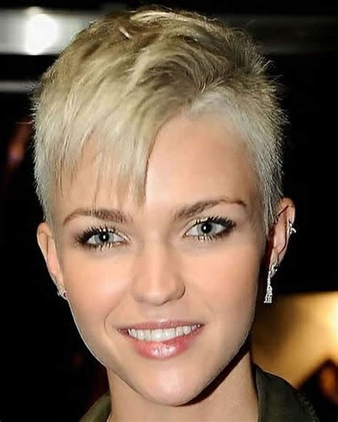 really stylish 40 super short hair with bangs short feminine extreme short haircuts for ladies 2018 2019