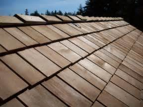 Cedar Shake Roofing Roof Life Of Oregon 187 Corners Roof Contractors Cut On Your