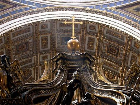 il baldacchino di san pietro la croce sovrasta il baldacchino picture of