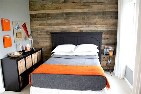 pallet bedroom ideas teen bedroom pallet wall all decked out pinterest