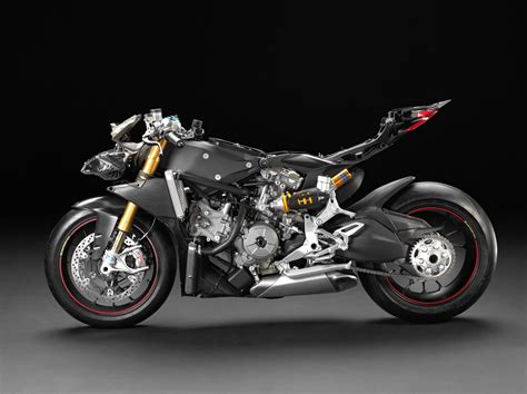 2017 Ducati superbike to be four cylinder racer