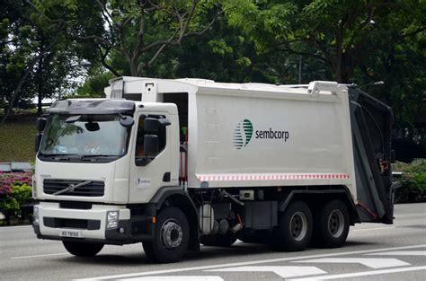 volvo trucks singapore sembwaste volvo fe 300 garbage truck xd7919z nighteye