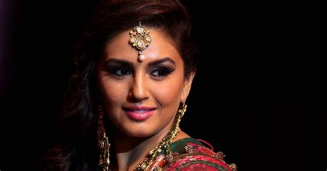 Fashion Gw 252 G hd images of huma qureshi at india bridal fashion week