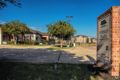 appartments in houston tx norma s plaza apartments rentals houston tx