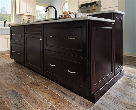 waypoint kitchen cabinets waypoint living spaces style 750 in painted silk and