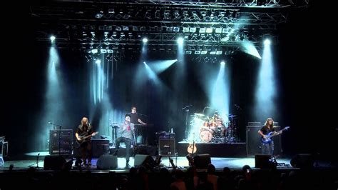 colors live flying colors all falls live in europe