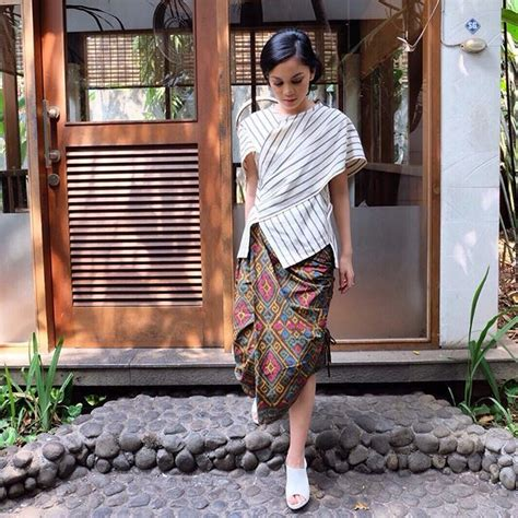 Kebaya Batik Modern Ayunda 204 best designers images on batik