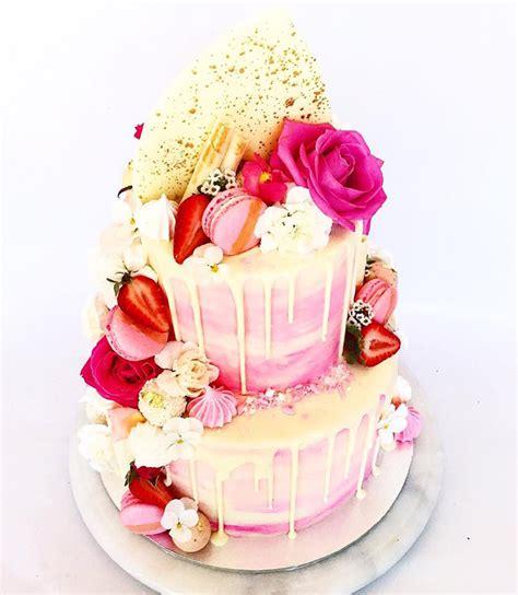 Rustic Outdoor Kitchen Ideas by 26 Fantastical Drip Wedding Cakes Mon Cheri Bridals