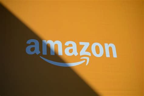 amazon  reportedly working   messaging app called anytime  verge