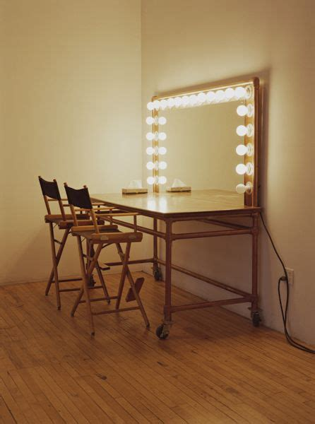 25 best ideas about dressing table with lights on