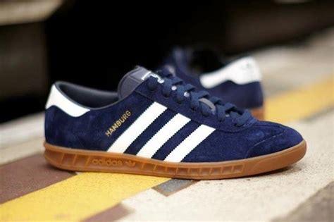 Sepatu Casual Sepatu Adidas Hambrug Royal Blue White Gum tentang sepatu