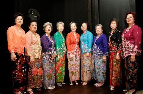 Deltarn Kebaya Ayudia Pakaian Wanita Kebaya Modern Terbaru Terlar 25 tren model baju kebaya modern terbaru 2018 info tren baju terbaru di indonesia