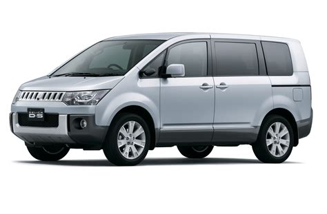 mitsubishi van mitsubishi minivan information and photos momentcar