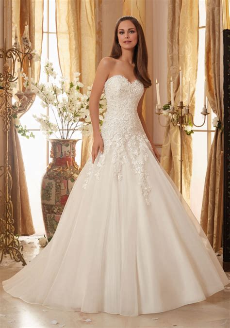beaded lace appliques on organza wedding dress style