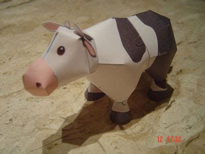 Cow Papercraft - harvest moon cow paper model pepakura corner