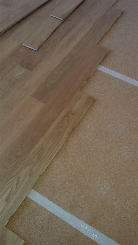 montaggio pavimento laminato montaggio pavimento laminato incastro clic verticale with