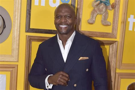 terry crews father safe horizon terry crews says his abusive father would