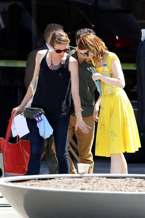 emma stone la la land yellow dress emma stone in yellow dress on la la land set 11 gotceleb
