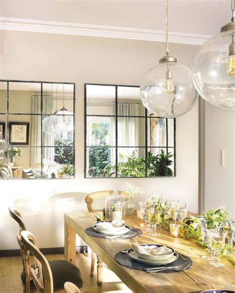 comedor  mesa rustica dos espejos  lampara de cristal