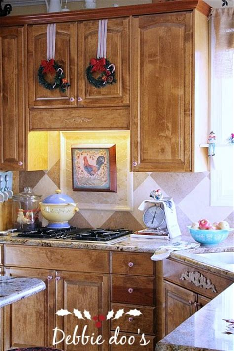 diy kitchen cabinet decorating ideas easy christmas decorating ideas for the kitchen debbiedoos