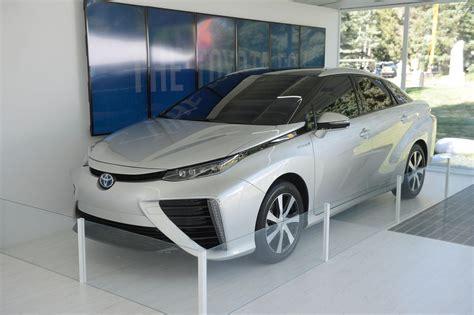 toyota zero emission vehicle 2015 toyota fcv zero emission hydrogen fuel cell vehicle