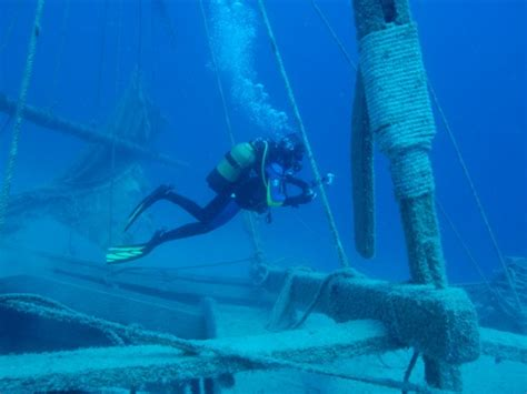 uluburun shipwreck top 10 rare and important archeological finds toptenz net