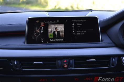bmw  md interior infotainment display screen