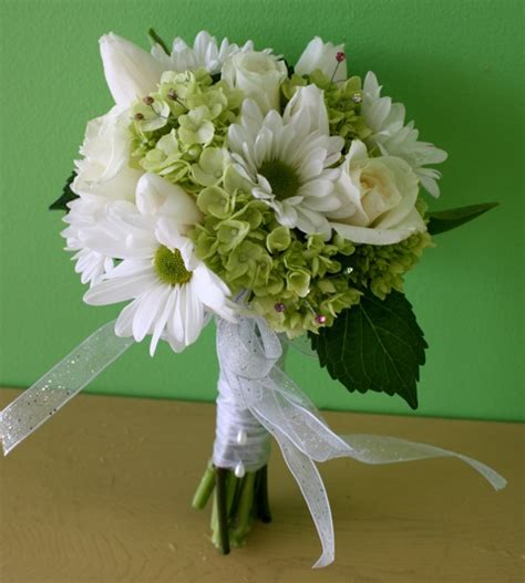 prom flowers prom flowers clutch bouquets for prom a