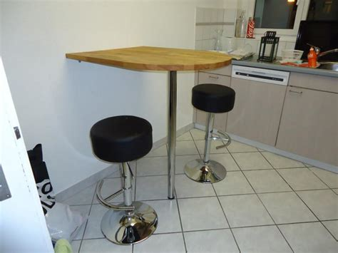 for sale kitchen bar table and bar stools to up in