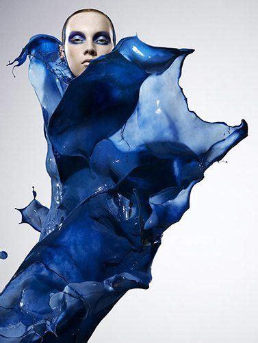 Blus Fashion2 photographer iain dresses models in paint 171