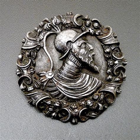 Pin Peniti 48mm Design Bebas Custom Pin late renaissance steel hat badge brooch jon shemonsky jewelry