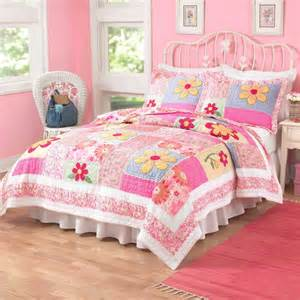 quilt for bed disney baby toddler bedroom with minnie mouse