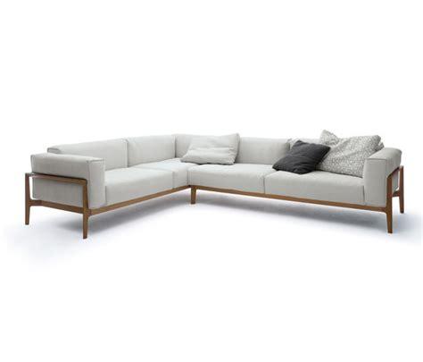 Skandinavische Sofas 124 by Elm Cor Couchtisch Sofa Sessel Regal Produkt