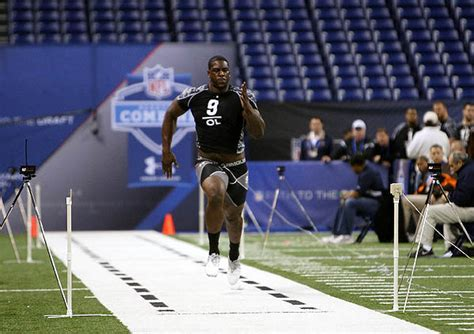 best combine bench press 12 best nfl scouting combine performances of all time