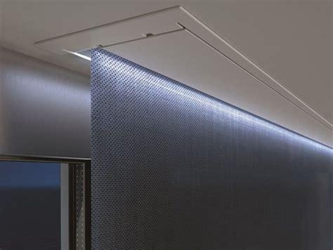 Roller Blinds Gorden 36 store 224 enrouleur 233 lectrique occultant en tissu topbox by mottura sistemi per bedroom