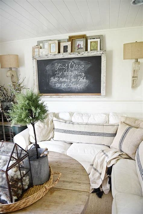 Farmhouse Living Room Wall Decor 35 Best Farmhouse Living Room Decor Ideas And Designs For 2017