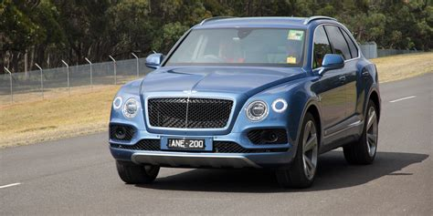 2017 bentley bentayga 2017 bentley bentayga diesel review caradvice