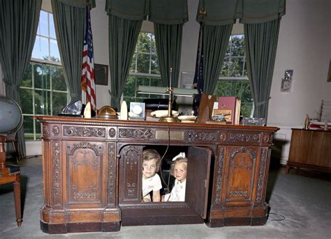 obama resolute desk which of these 6 oval office desks will donald trump pick