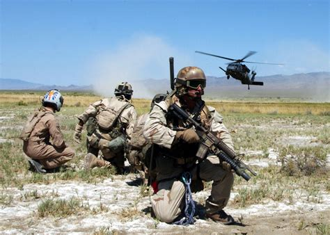 file pararescue training exercise jpg wikipedia