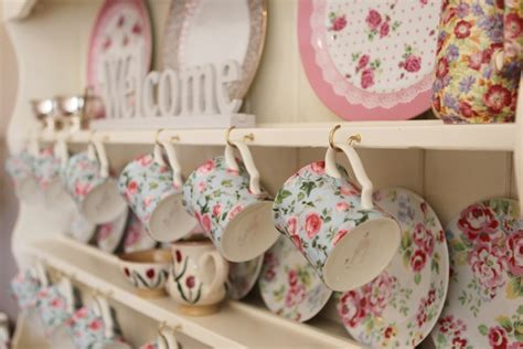 shabby chic kitchen accessories to spruce up your kitchen